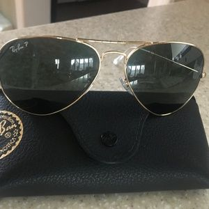 Ray-Ban Aviator Sunglasses with Polarized Lens